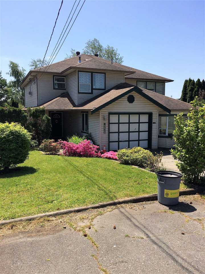 Main Photo: 19626 55A Avenue in Langley: Langley City House 1/2 Duplex for sale : MLS® # R2231107