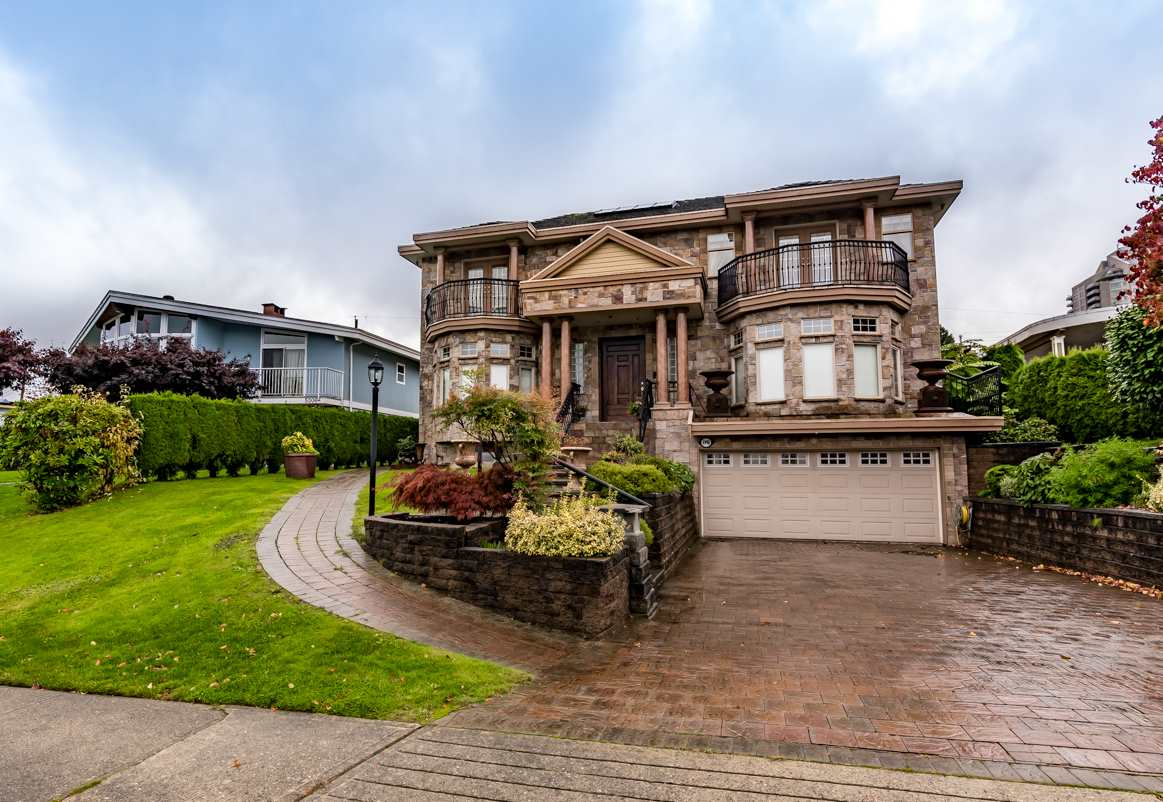 Main Photo: 4990 GRAFTON Street in Burnaby: Forest Glen BS House for sale (Burnaby South)  : MLS® # R2239414