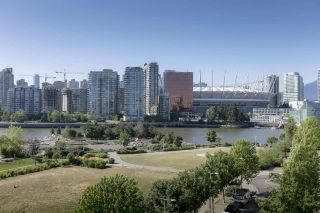 "Main Photo: 609 181 W 1ST Avenue in Vancouver: False Creek Condo for sale in ""BROOK AT THE VILLAGE FALSE CREEK"" (Vancouver West)  : MLS®# R2271176"