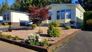 "Main Photo: 32 2315 198 Street in Langley: Brookswood Langley Manufactured Home for sale in ""Deer Creek Estates"" : MLS®# R2289298"