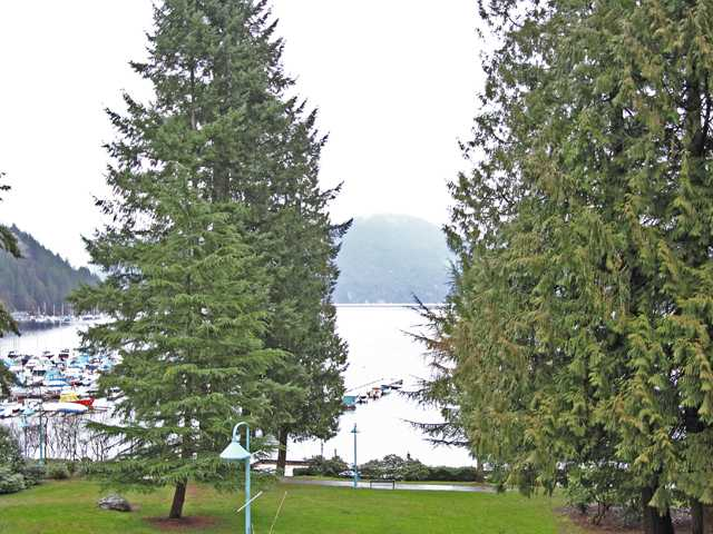"Main Photo: 6 2151 BANBURY Road in North Vancouver: Deep Cove Condo for sale in ""MARINER'S COVE"" : MLS®# V870127"