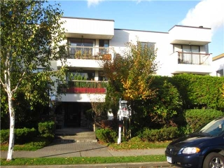 "Main Photo: 207 255 E 14TH Avenue in Vancouver: Mount Pleasant VE Condo for sale in ""MOUNT PLEASANT GARDENS"" (Vancouver East)  : MLS(r) # V917373"