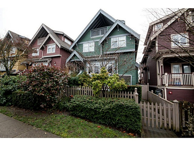 Main Photo: 1632 GRANT Street in Vancouver: Grandview VE Townhouse for sale (Vancouver East)  : MLS®# V1038932