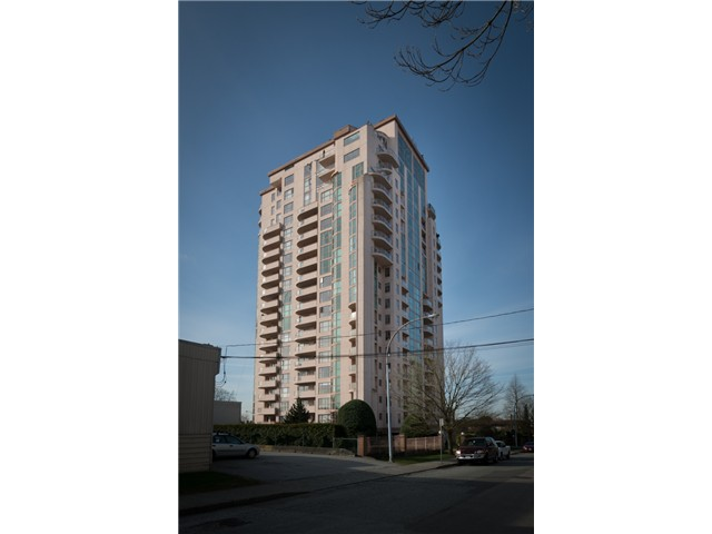 "Main Photo: 901 612 FIFTH Avenue in New Westminster: Uptown NW Condo for sale in ""UPTOWN"" : MLS®# V1056153"