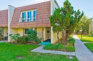 Main Photo: CLAIREMONT Townhome for sale : 3 bedrooms : 4032 Mount Acadia Blvd. in San Diego