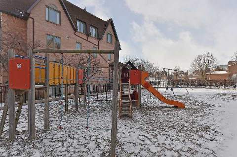 Photo 13: 10 75 E Weldrick Road in Richmond Hill: Observatory Condo for sale : MLS(r) # N3091164