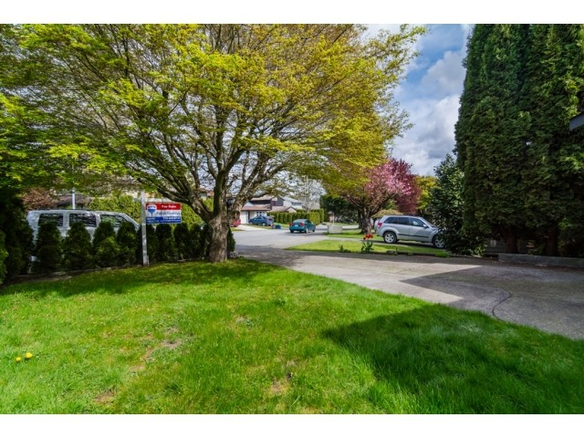 Photo 2: 2449 WAYBURNE Crescent in Langley: Willoughby Heights House for sale : MLS® # F1437139