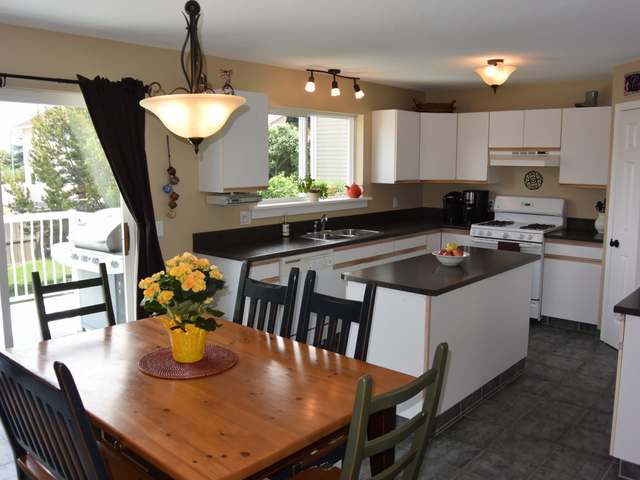 Photo 2: Photos: 1664 COLDWATER DRIVE in : Juniper Heights House for sale (Kamloops)  : MLS® # 128376