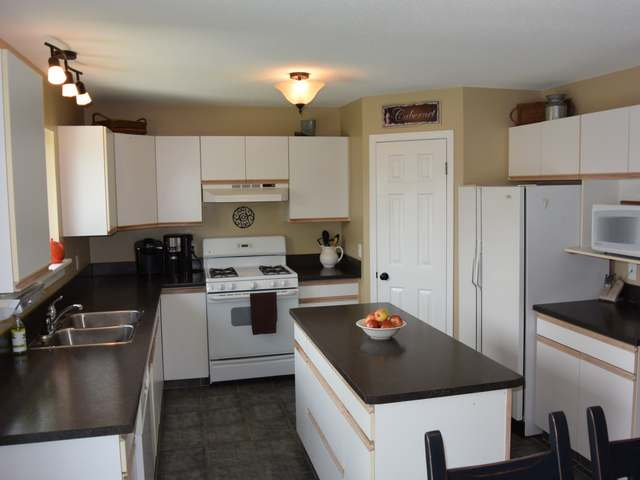 Photo 10: Photos: 1664 COLDWATER DRIVE in : Juniper Heights House for sale (Kamloops)  : MLS® # 128376