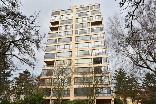 "Main Photo: 1202 2115 W 40TH Avenue in Vancouver: Kerrisdale Condo for sale in ""THE REGENCY"" (Vancouver West)  : MLS® # R2030337"