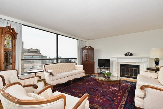 "Photo 2: 1202 2115 W 40TH Avenue in Vancouver: Kerrisdale Condo for sale in ""THE REGENCY"" (Vancouver West)  : MLS® # R2030337"