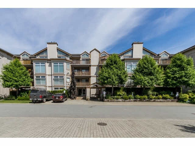 "Main Photo: 405 19131 FORD Road in Pitt Meadows: Central Meadows Condo for sale in ""WOODFORD MANOR"" : MLS® # R2107108"