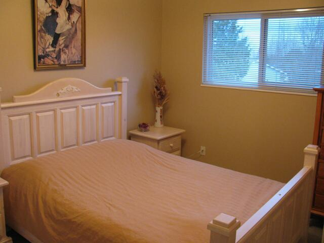 Photo 7: 13354 100th Avenue in Surrey: Home for sale