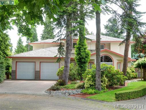 Main Photo: 2273 Sage Lane in VICTORIA: SE Arbutus Single Family Detached for sale (Saanich East)  : MLS® # 379131