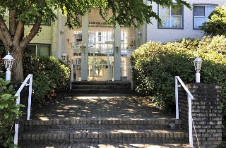 "Main Photo: 225 5695 CHAFFEY Avenue in Burnaby: Central Park BS Condo for sale in ""DURHAM PLACE"" (Burnaby South)  : MLS(r) # R2177342"