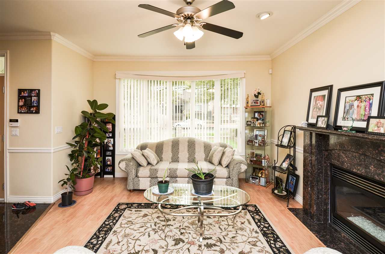 Photo 5: 5907 ORMIDALE Street in Vancouver: Killarney VE House for sale (Vancouver East)  : MLS® # R2204414