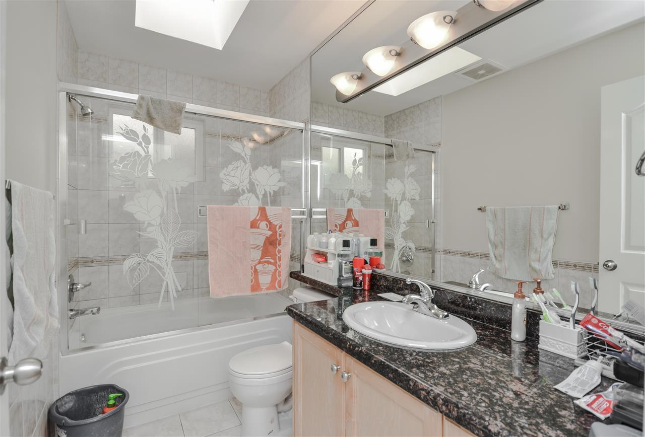 Photo 13: 5907 ORMIDALE Street in Vancouver: Killarney VE House for sale (Vancouver East)  : MLS® # R2204414