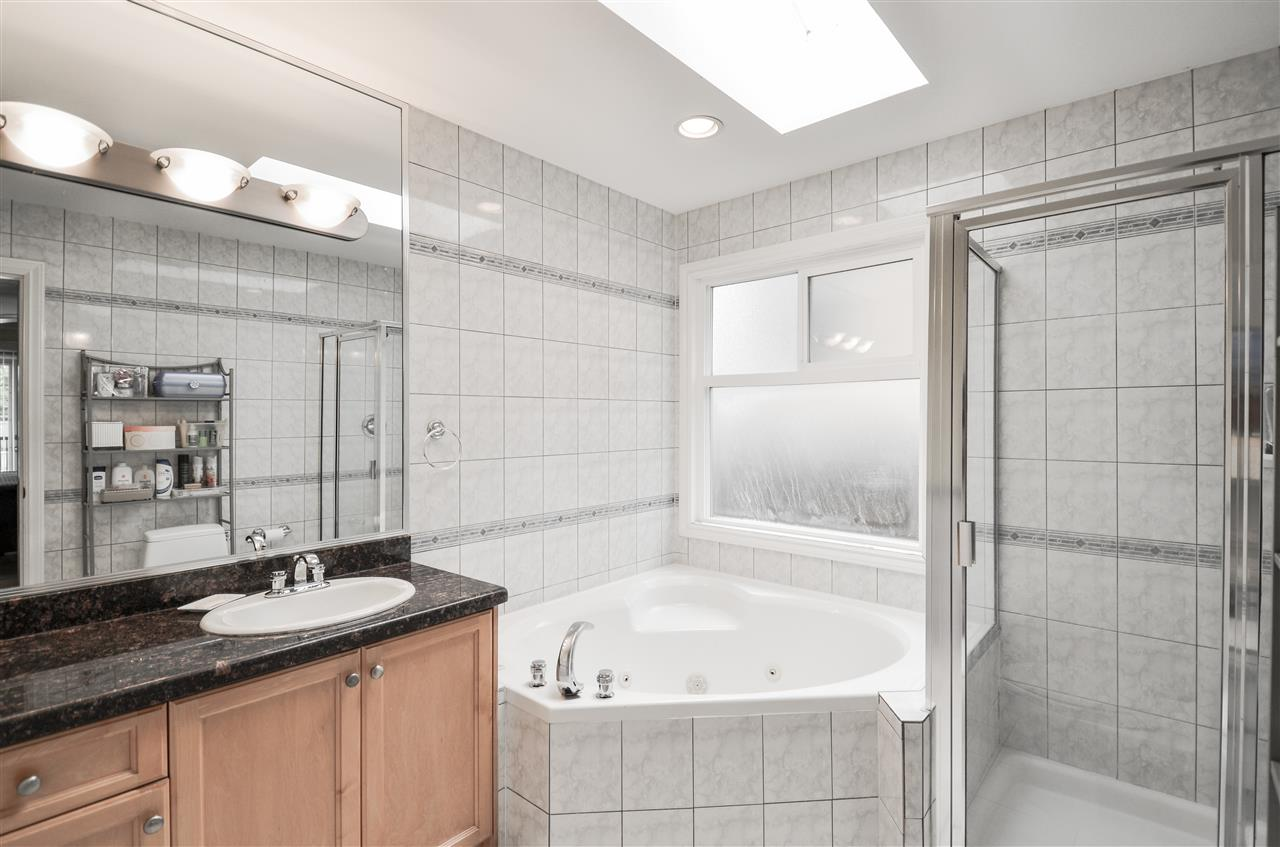 Photo 18: 5907 ORMIDALE Street in Vancouver: Killarney VE House for sale (Vancouver East)  : MLS® # R2204414