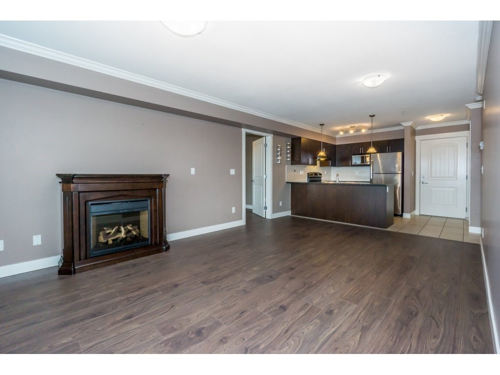 "Photo 11: 324 17769 57TH Avenue in Surrey: Cloverdale BC Condo for sale in ""CLOVER DOWNS ESTATES"" (Cloverdale)  : MLS® # R2204969"