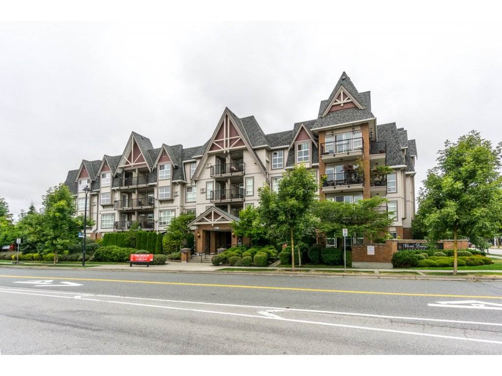 "Photo 2: 324 17769 57TH Avenue in Surrey: Cloverdale BC Condo for sale in ""CLOVER DOWNS ESTATES"" (Cloverdale)  : MLS® # R2204969"