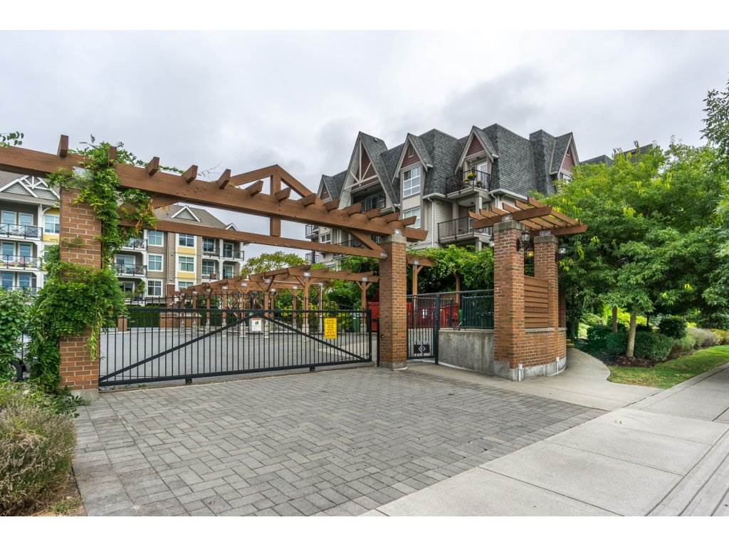 "Photo 20: 324 17769 57TH Avenue in Surrey: Cloverdale BC Condo for sale in ""CLOVER DOWNS ESTATES"" (Cloverdale)  : MLS® # R2204969"