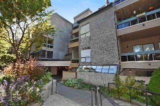 "Main Photo: 201 1500 PENDRELL Street in Vancouver: West End VW Condo for sale in ""PENDRELL MEWS"" (Vancouver West)  : MLS® # R2212952"