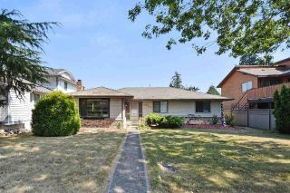 Main Photo: 1954 148 Street in Surrey: Sunnyside Park Surrey House for sale (South Surrey White Rock)  : MLS® # R2220897