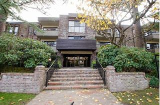 "Main Photo: 105 1266 W 13TH Avenue in Vancouver: Fairview VW Condo for sale in ""Landmark Shaughnessy"" (Vancouver West)  : MLS® # R2221653"