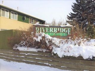 Main Photo: 760 ABBOTTSFIELD Road NW in Edmonton: Zone 23 Townhouse for sale : MLS® # E4094976