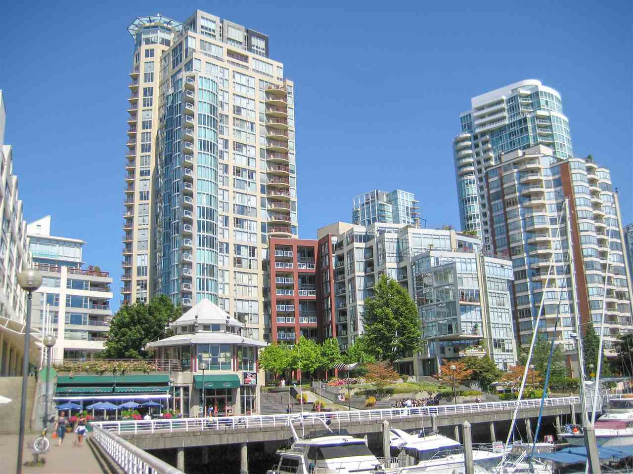 Main Photo: 2101 1000 BEACH AVENUE in Vancouver: Yaletown Condo for sale (Vancouver West)  : MLS®# R2248536
