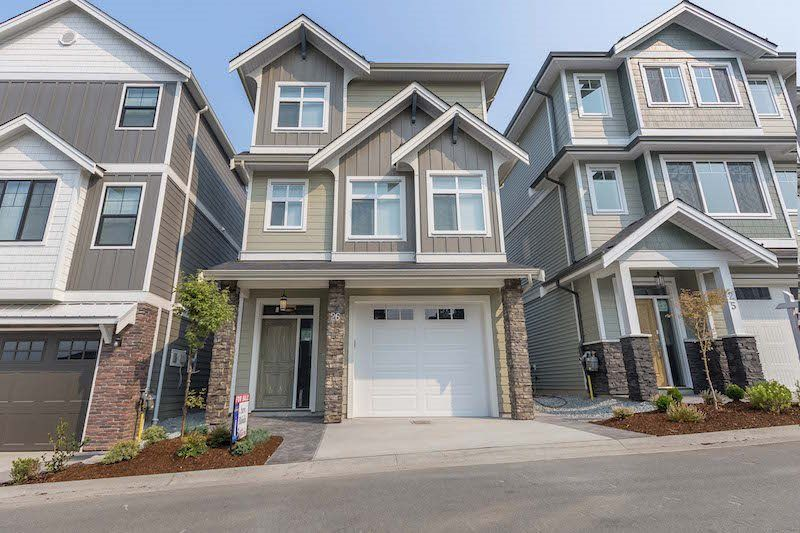 "Main Photo: 26 4295 OLD CLAYBURN Road in Abbotsford: Abbotsford East House for sale in ""SUNSPRING ESTATES"" : MLS®# R2298725"