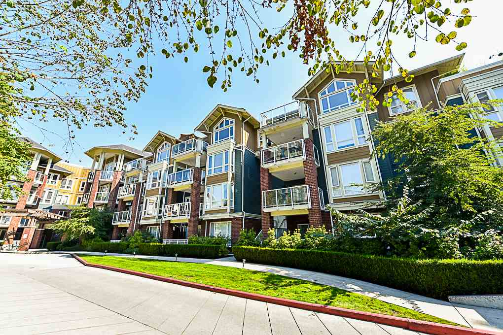 Main Photo: 402 14 E ROYAL Avenue in New Westminster: Fraserview NW Condo for sale : MLS®# R2304725