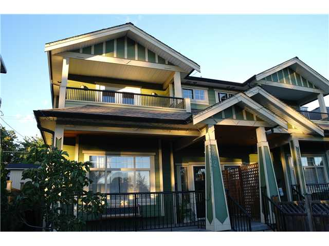 Main Photo: 322 E 4TH Street in North Vancouver: Lower Lonsdale House 1/2 Duplex for sale : MLS® # V1029955