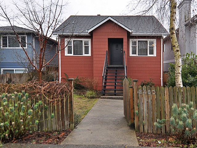Main Photo: 2460 E GEORGIA Street in Vancouver: Renfrew VE House for sale (Vancouver East)  : MLS(r) # V1050625