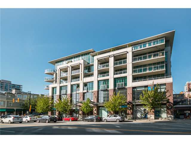 "Main Photo: 409 100 E ESPLANADE Street in North Vancouver: Lower Lonsdale Condo for sale in ""The Landing"" : MLS(r) # V1063412"
