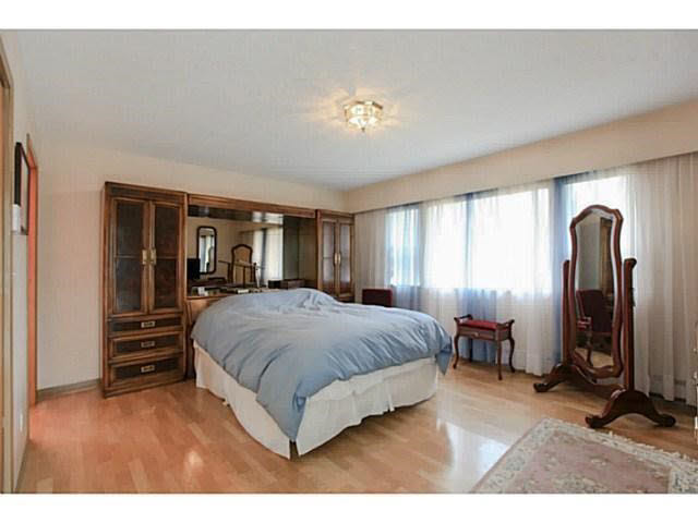 Photo 12: 2064 182 Street in Surrey: Hazelmere House for sale (South Surrey White Rock)  : MLS® # F1448623