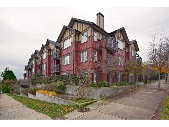 Photo 2: 207 1205 FIFTH Avenue in New Westminster: Uptown NW Condo for sale : MLS® # R2077262