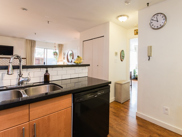Photo 8: 104 2333 ETON Street in Vancouver: Hastings Condo for sale (Vancouver East)  : MLS® # R2083404