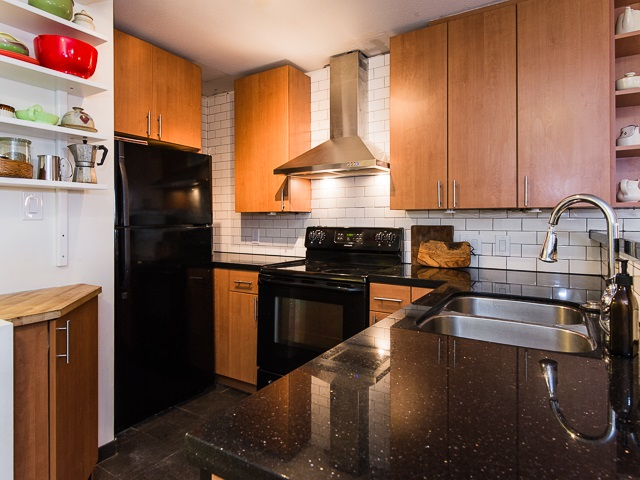 Photo 7: 104 2333 ETON Street in Vancouver: Hastings Condo for sale (Vancouver East)  : MLS® # R2083404