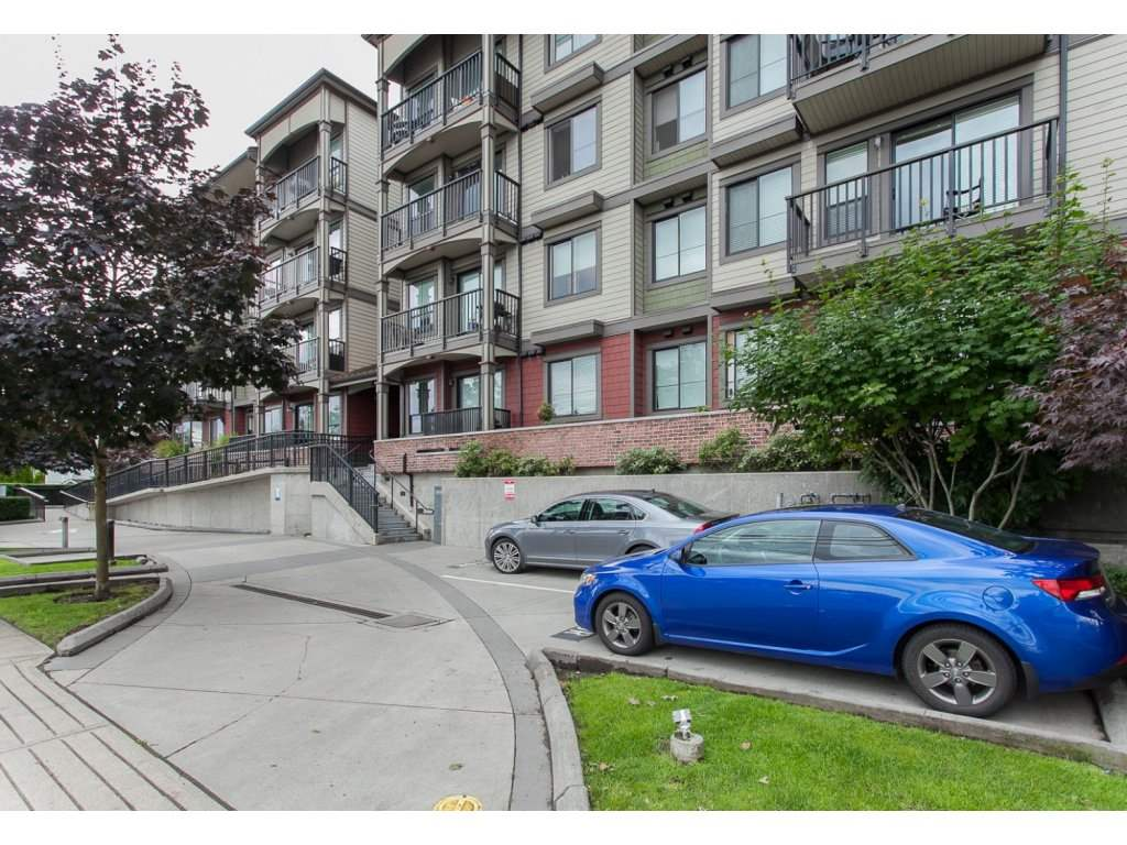 Main Photo: 113 19830 56 Avenue in Langley: Langley City Condo for sale : MLS® # R2089137