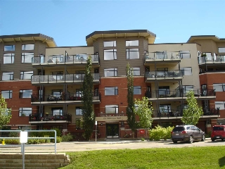 Main Photo: #110 121 FESTIVAL WY NW: Sherwood Park Condo for sale : MLS(r) # E4039939
