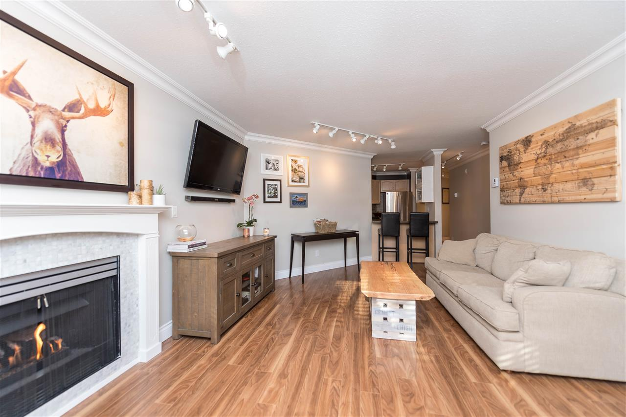 "Photo 12: 102 123 E 6TH Street in North Vancouver: Lower Lonsdale Condo for sale in ""Harbourgate"" : MLS(r) # R2138620"