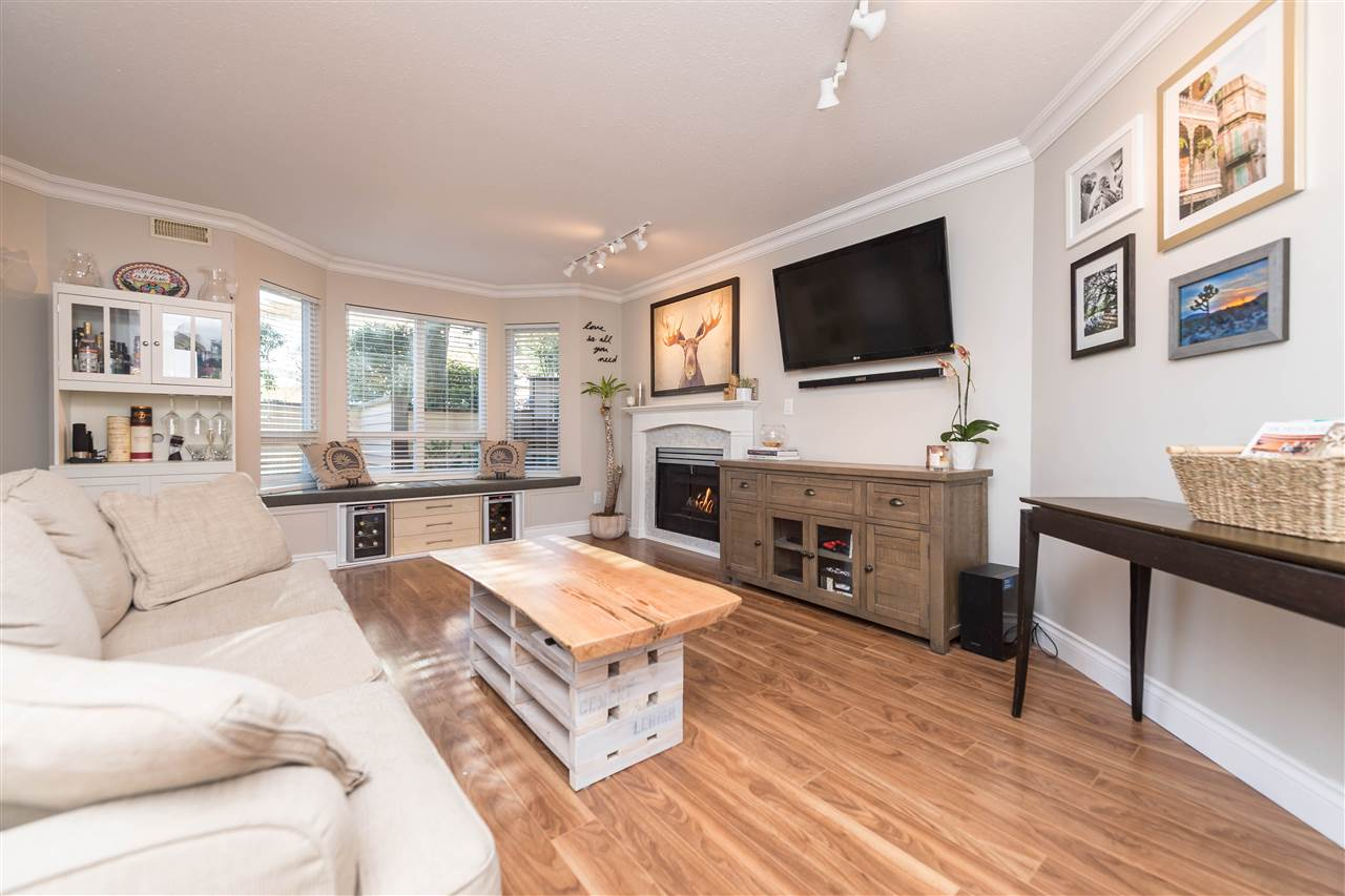 "Photo 9: 102 123 E 6TH Street in North Vancouver: Lower Lonsdale Condo for sale in ""Harbourgate"" : MLS(r) # R2138620"