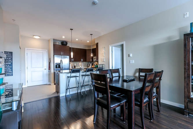 Photo 4: 309 288 HAMPTON Street in New Westminster: Queensborough Condo for sale : MLS® # R2141323