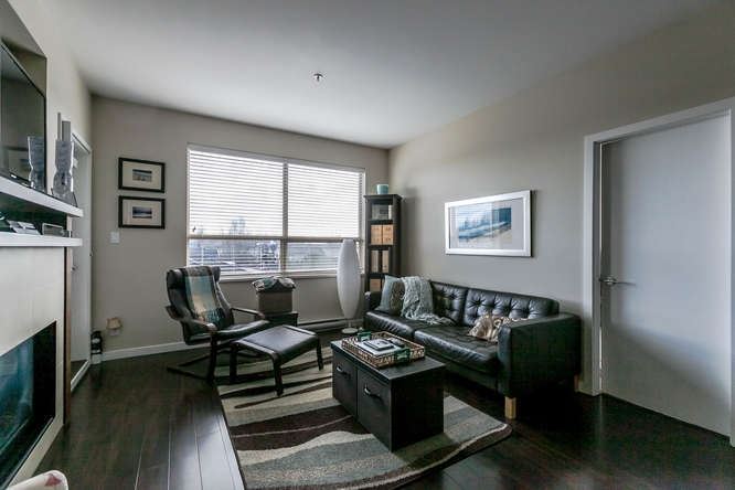 Photo 8: 309 288 HAMPTON Street in New Westminster: Queensborough Condo for sale : MLS® # R2141323
