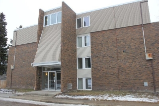 Main Photo: 114 7835 159 Street in Edmonton: Zone 22 Condo for sale : MLS(r) # E4056105