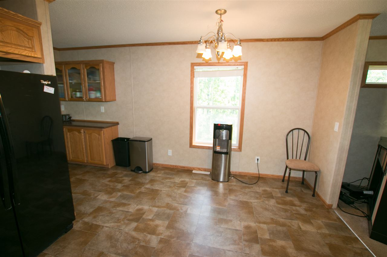 Photo 9: 200 54304 RRG 12: Rural Lac Ste. Anne County Manufactured Home for sale : MLS(r) # E4058523