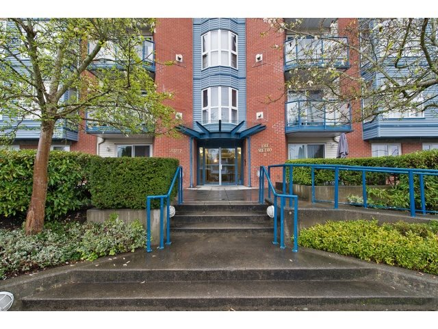 "Main Photo: 209 20277 53 Avenue in Langley: Langley City Condo for sale in ""Metro 11"" : MLS® # R2156246"