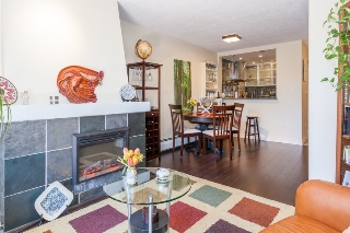 "Main Photo: 318 2320 W 40TH Avenue in Vancouver: Kerrisdale Condo for sale in ""MANOR GARDENS"" (Vancouver West)  : MLS(r) # R2158712"