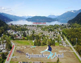 "Main Photo: 639 SCHOONER Place: Harrison Hot Springs Home for sale in ""SPINNAKER WYND"" : MLS® # R2162838"
